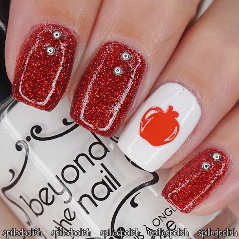 31DC2016: Day 1 - Red Nails nail art by Maddy S