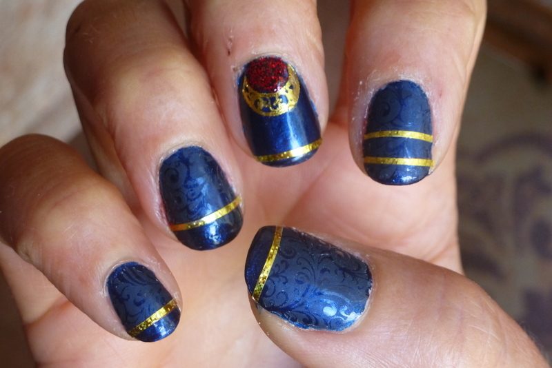 Blue Mat step five nail art by Barbouilleuse