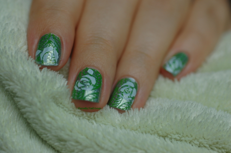 flowers of the garden nail art by Dorothy NailAssay