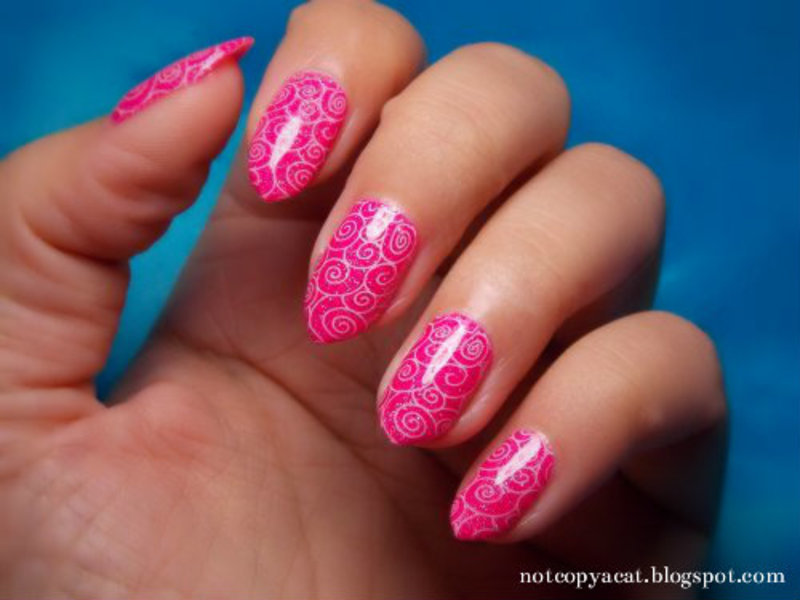 Pink swirls nail art by notcopyacat