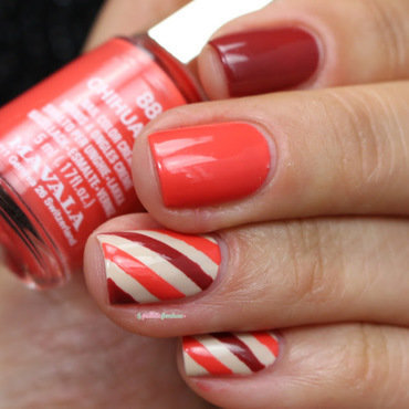seventies stripes nail art by nathalie lapaillettefrondeuse