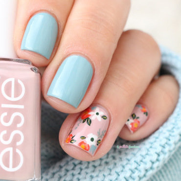 sweet flowers nail art by nathalie lapaillettefrondeuse