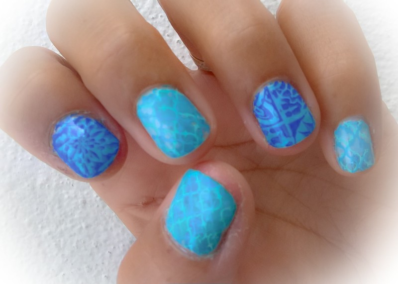 Oh Azulejos! nail art by Avesur Europa