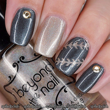 31DC2016: Day 8 - Metallic Nails nail art by Maddy S