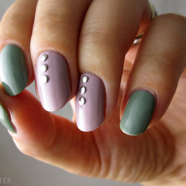 Two coloured nail art by Yenotek
