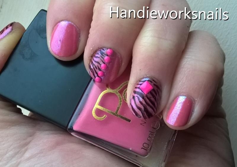Pink Zebra Neon nail art by Sazjay