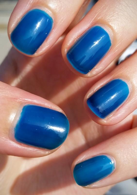 Wet n Wild A Case of Blue Swatch by Hermine