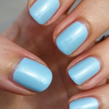 Sally Hansen Breezy blue Swatch by Hermine