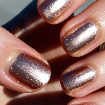 Sally Hansen Golden-I Swatch by Hermine