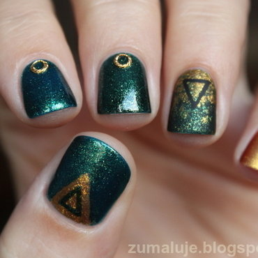 triangle nail art nail art by Zu
