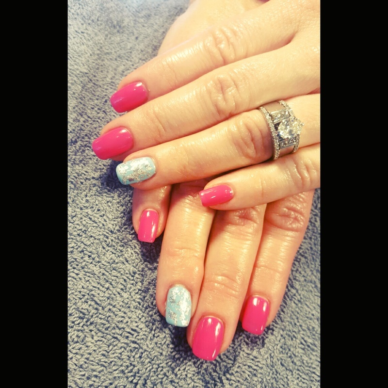 pink and blue nail art by tawshia81
