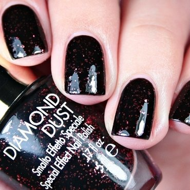 Pupa Stay Gold Diamond Dust 001 Glowing Black Swatch by Romana