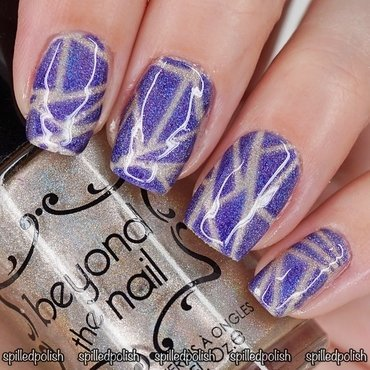 #31DC2016: Day 16 - Geometric nail art by Maddy S