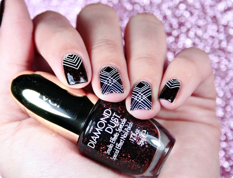 Geometry nail art by Romana