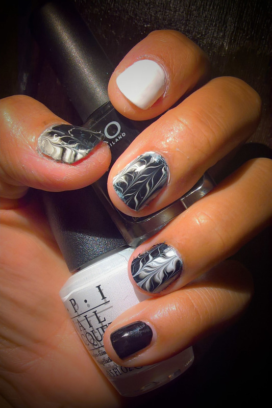 Black & White  nail art by Avesur Europa