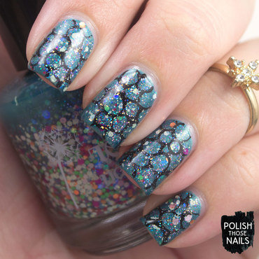 Circled Glitter nail art by Marisa  Cavanaugh