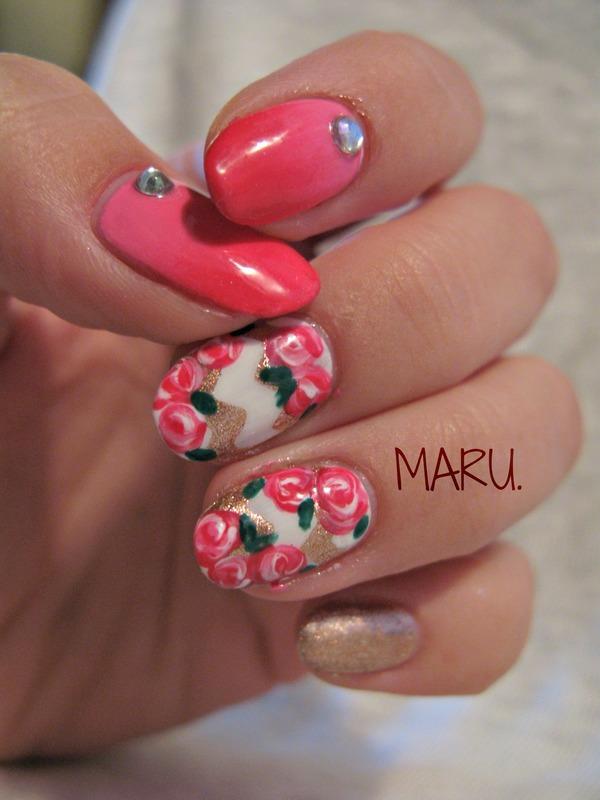 Bronze and Roses nail art by Martina