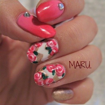 Bronze and Roses nail art by Martina