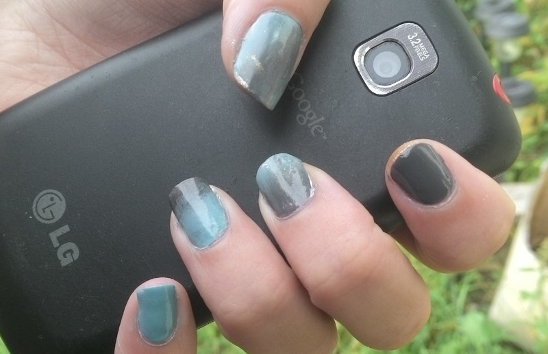 Grey/Teal Gradient nail art by Kristyna