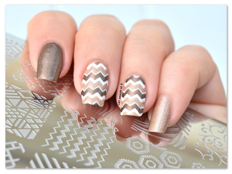 White & Brown nail art by Les ongles de B.