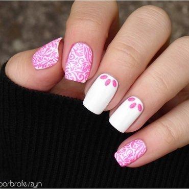 Fuchsia ornaments nail art by barbrafeszyn