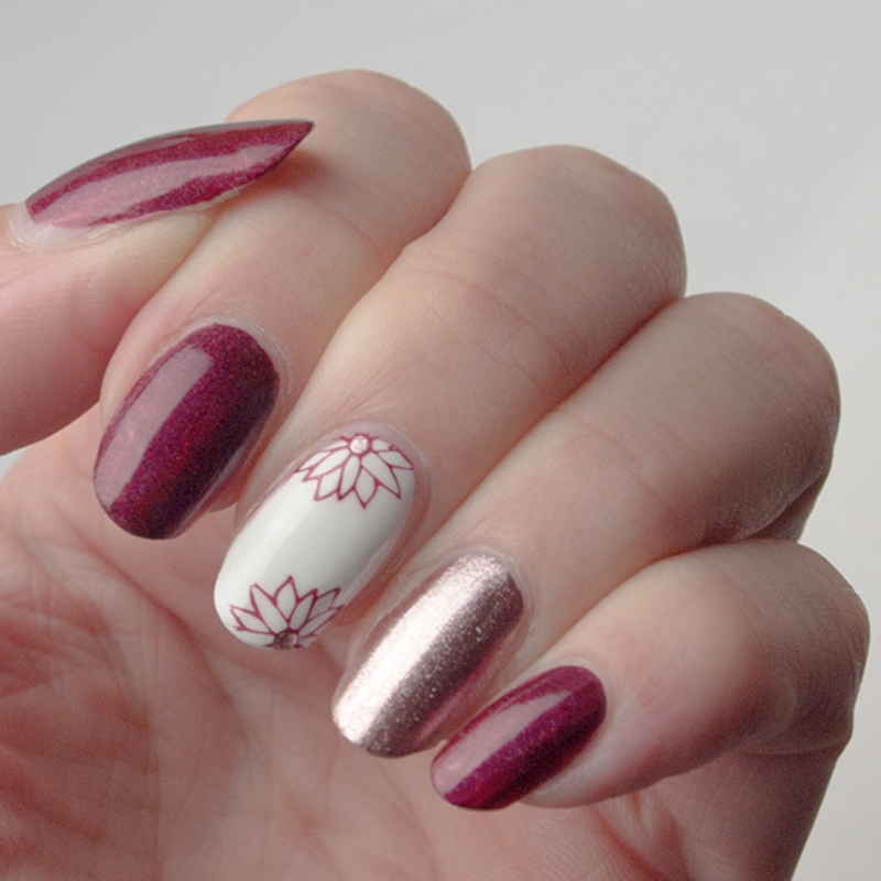 Simple floral manicure nail art by What's on my nails today?