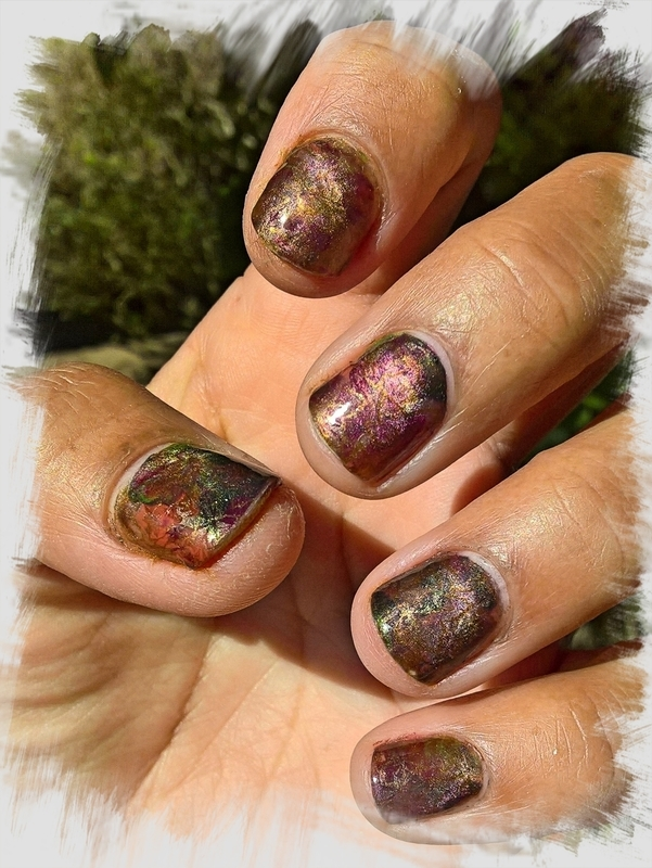 Smooshy Magnetic Autumn 🍂  nail art by Avesur Europa