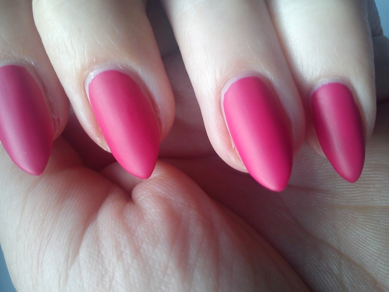 Splendidly Fuchsia nail art by StyleNailsAndYou