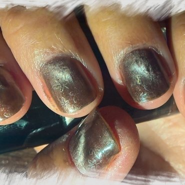 Magnetic Brown nail art by Avesur Europa