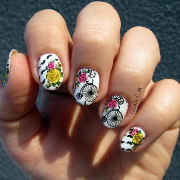 Retro bicycles nail art by Nail Crazinesss