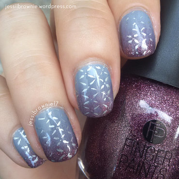 Metallic Gradient nail art by Jessi Brownie (Jessi)
