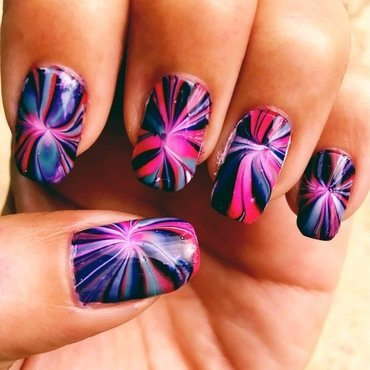 starburst nail art by Idreaminpolish