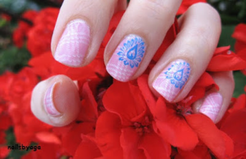 Pink nails nail art by agazar30