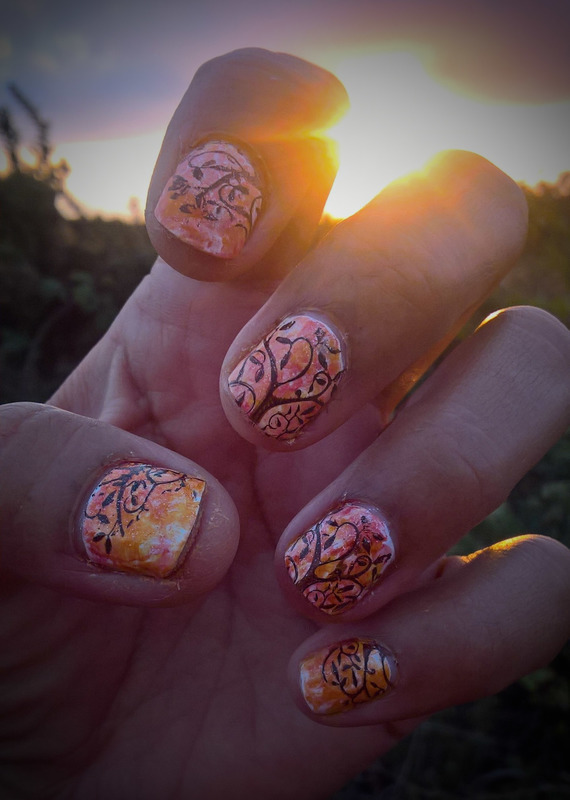 Remembering New York's Autumns 🍁  nail art by Avesur Europa