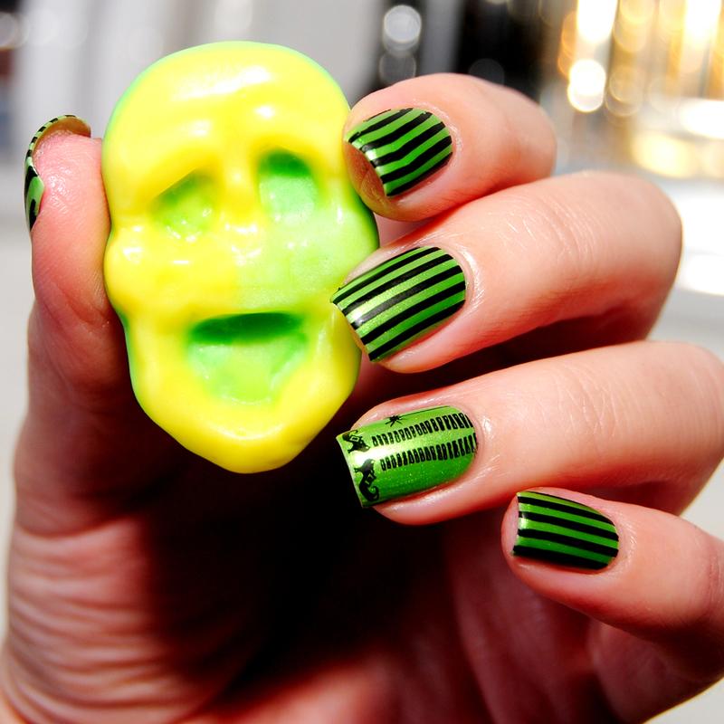 Witch Legs! nail art by Lackopfer
