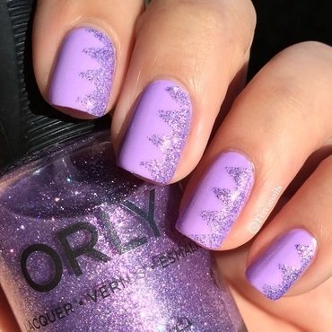 Glitter chevron nail art by Fercanails