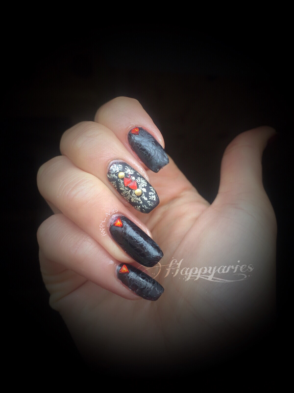 Gothic beauty nail art  nail art by Happy_aries