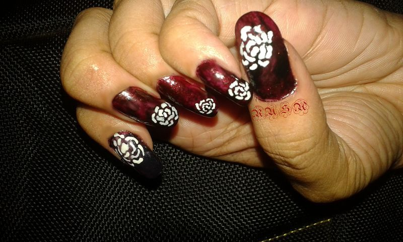Gothic & Roses nail art by Rusa