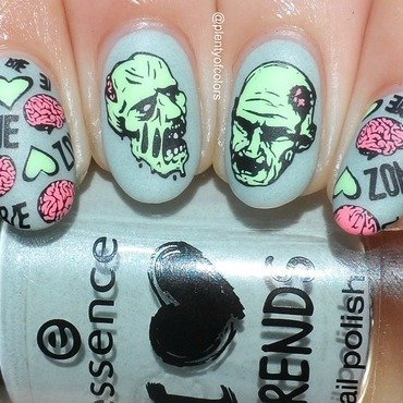 Zombie Love nail art by Plenty of Colors