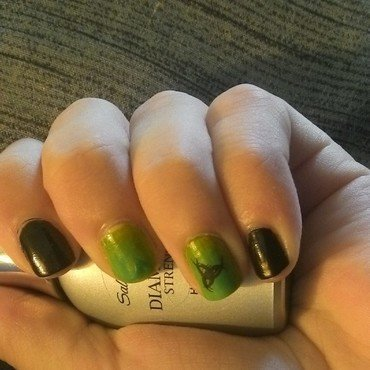 Toxic nail art by Kristyna