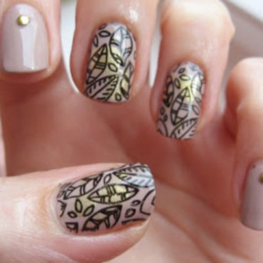 Leaves in nude nail art by agazar30