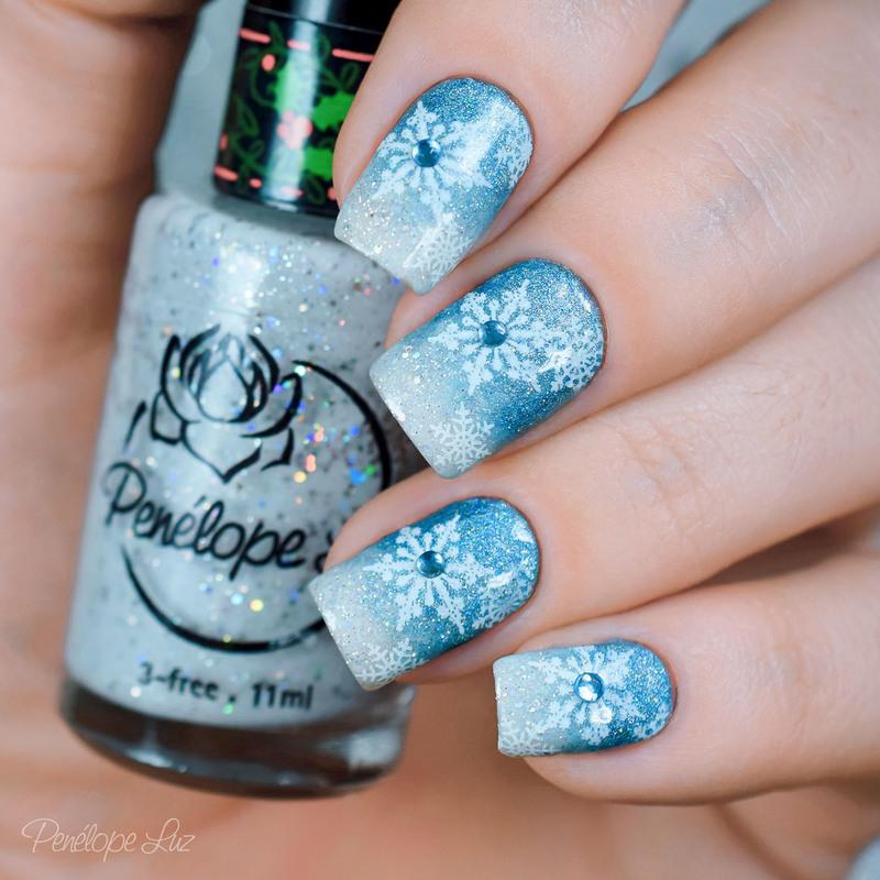 Nail Art Frozen nail art by Penélope Luz