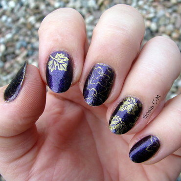 Leaves nail art by Nail Crazinesss