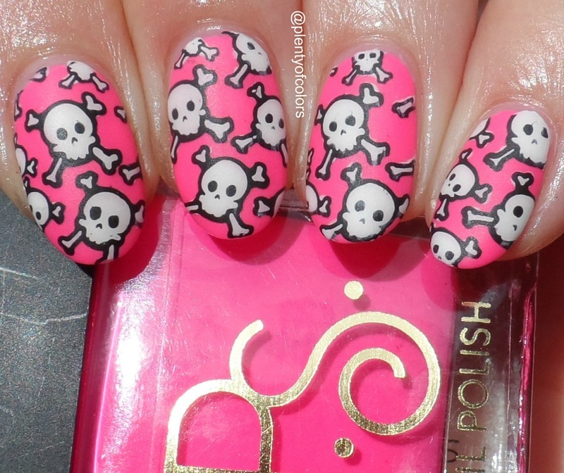 Girly Halloween nail art by Plenty of Colors