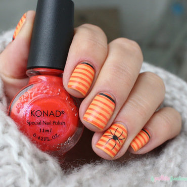 Halloween spider nail art by nathalie lapaillettefrondeuse