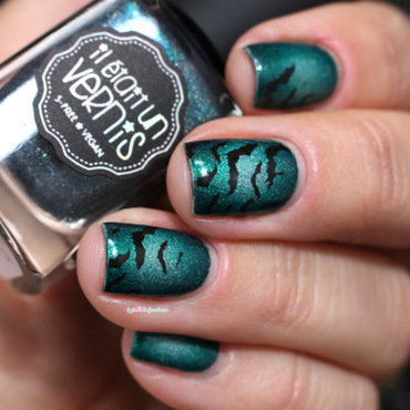 Halloween bat cave nail art by nathalie lapaillettefrondeuse