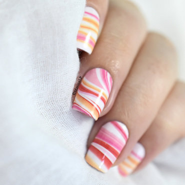 Marble madness nail art by Marine Loves Polish