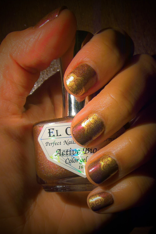 Stamping over Burgundy-Chocolate Holo nail art by Avesur Europa