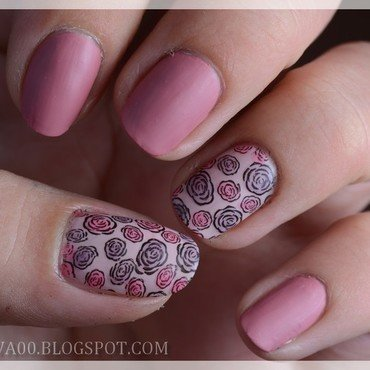 Little Roses nail art by Jadwiga