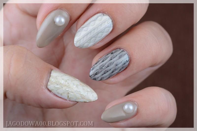 Winter sweater nail art by Jadwiga